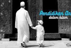 Fiqih Pendidikan Anak dalam Al Qu'an dan As Sunnah (Dari Kelahiran hingga Menikahkan)